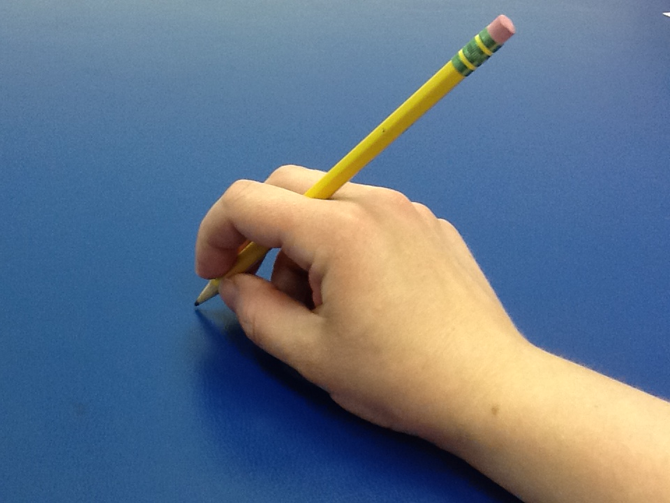 how to hold a pencil with your left hand